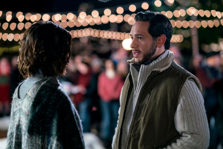 Christmas In Homestead.Christmas In Homestead Hallmark Movie Review And Challenge